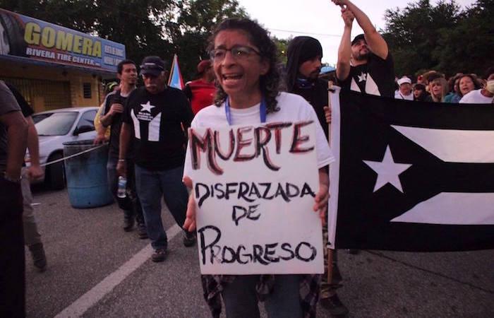 Manifestación en contra del depósito de cenizas en Peñuelas. (Adriana De Jesús Salamán/ Diálogo)