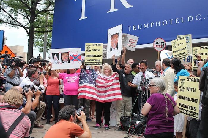 Protesta en contra de Trump. (Elvert Barnes via Visual hunt)