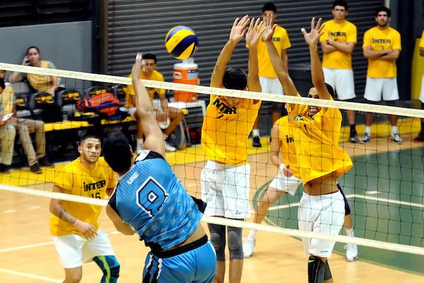 Los Pitirres de la UNE pasan a la final del voleibol eliminando a la Interamericana (L. Minguela Archivo)