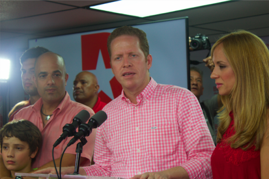 David Bernier en la conferencia de prensa donde reconoció su derrota. (Glorimar Velázquez / Diálogo)