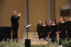Coro de la Universidad de Puerto Rico en Arecibo.
