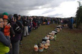 Miembros del pueblo mapuche durante una de sus movilizaciones a favor de sus derechos, en especial el de sus tierras ancestrales, en la región de La Araucanía, en Chile. Crédito: Fernando Fiedler/IPS