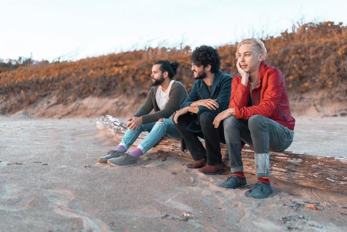 Desde la izquierda: Jesús Matías (batería), Pedro Santiago (bajo) y Xavier Rodríguez (guitarra/voz). (Facebook)