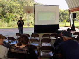 El doctor Pimenta durante la presentación de la iniciativa el pasado domingo en Juan Asencio. (Suministrada)