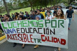 Marcha estudiantes UPR en Cayey (Ricardo Alcaraz / Diálogo)