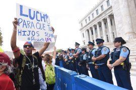A los estudiantes se unieron el profesorado y personal no docente de la UPR. (Ricardo Alcaraz / Diálogo)