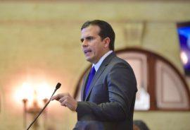 Gobernador Ricardo Rosselló Nevares hablando 2