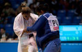 La olímpica egresada de ECEDAO, Jessica García,  estuvo vistiendo el uniforme de la UPR de Bayamon en el judo universitario. (Suministrada)