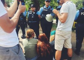 Las detenciones se dieron a eso del mediodía. (Campamento Rescate Playuelas / Facebook)