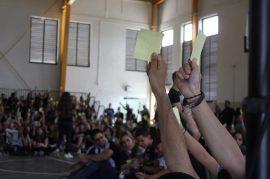 Estudiantes de la UPR Arecibo votan