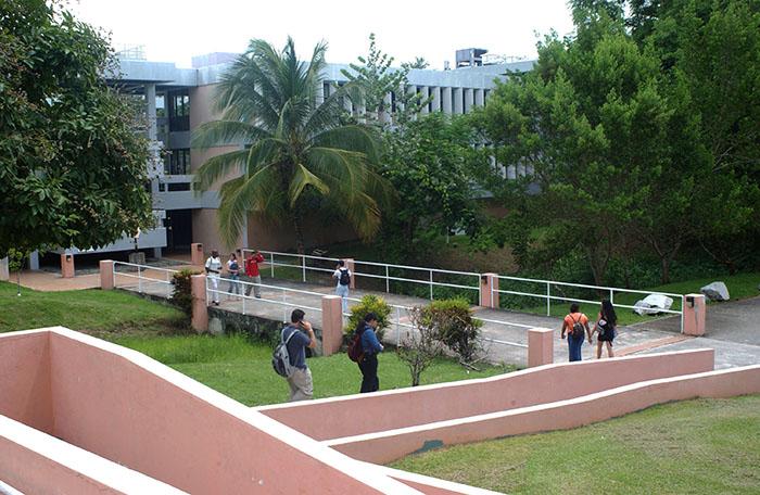Edificio de Ciencias Naturales de la UPR en Humacao
