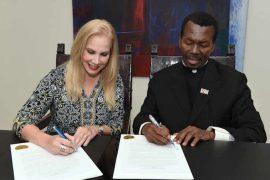 Firma Acuerdo Colaborativo UPR Y UNDH