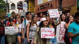 Marcha desde la Torre hasta  Presidencia. (Gabriela Báez/ Diálogo)
