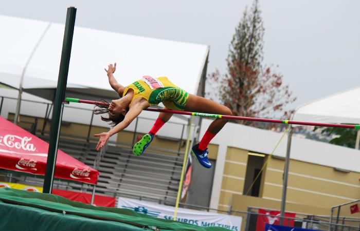 Ganadora de salto alto. (Luis De Jesús/ Diálogo)