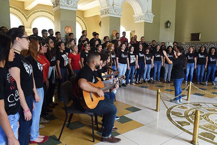 Actividad de música en el paro de la UPRRP. (Ricardo Alcaraz/ Diálogo)