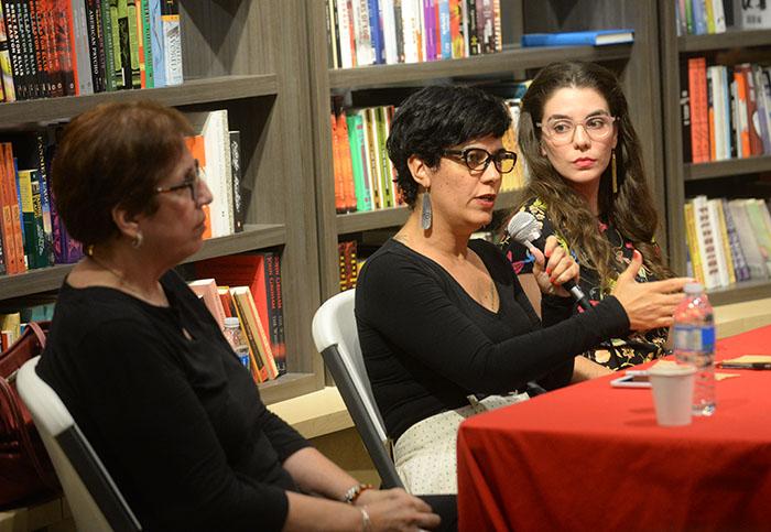 Conversatorio en Libros AC. (Ricardo Alcaraz/ Diálogo)