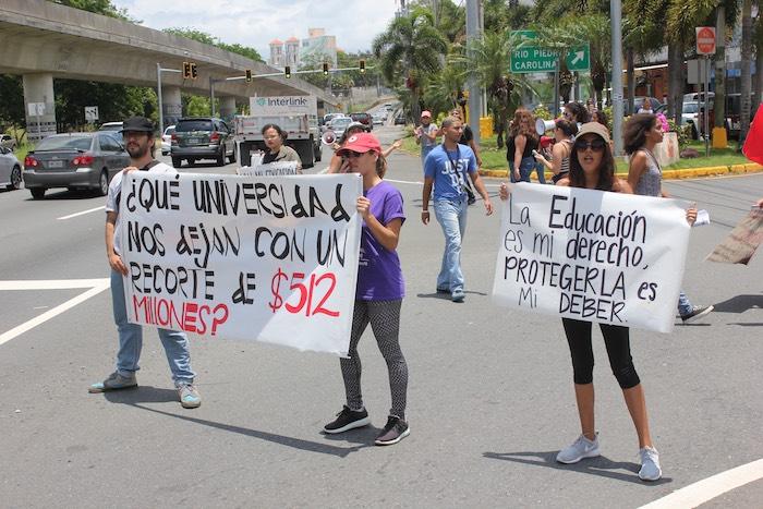Manifestación frente a Administración Central