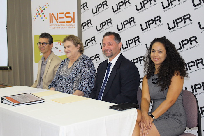 Miembros de INESI. (Glorimar Velázquez/ Diálogo)