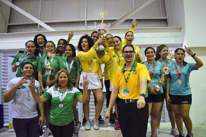 Las Tigresas de la Inter ganan su tercer titulo, subcampenas las Juanas del Colegio y tercer lugar las Tigresas de la UNE. (Z. Acosta LAI)