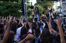 PJ Sin Suela en #NoNosCallarán, concierto en apoyo a la Huelga UPR. (Ricardo Alcaraz/ Diálogo)