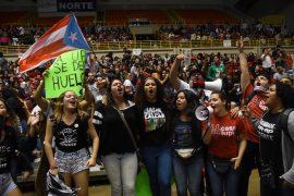 Estudiantes celebran aprobación huelga 10.mayo.17 (Ricardo Alcaraz/Diálogo)