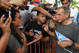 Fiesta en honor a Oscar López Rivera en la Plaza de la Convalecencia en Río Piedras. (Ricardo Alcaraz/ Diálogo)