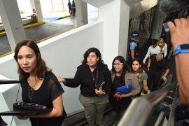 Desde la izquierda, Verónica Figueroa, Wilmarí De Jesús y Marysel Pagán Santana, del Comité Negociador Nacional. (Ricardo Alcaraz / Diálogo)