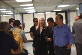 presidenta interina, Nivia Fernandez, a la salida de los tribunales