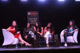 Las panelistas expusieron sus experiencias como mujeres en el entretenimiento (Adriana de Jesús/Diálogo)