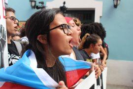 La manifestación hasta La Fortaleza formó parte de las actividades del Día Nacional de Estudiantes en Lucha. (Glorimar Velázquez / Diálogo)