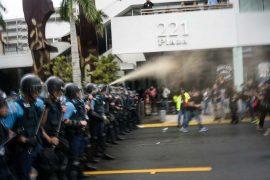 Policía y sus gases en el Paro Nacional Manifestantes en el Paro Nacional (Pablo Pantoja Kunasek)