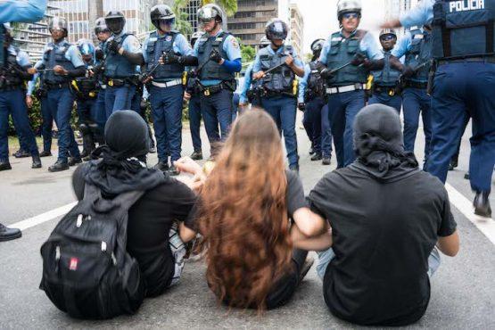 Manifestantes pacíficos en el Paro Nacional Manifestantes en el Paro Nacional (Pablo Pantoja Kunasek)