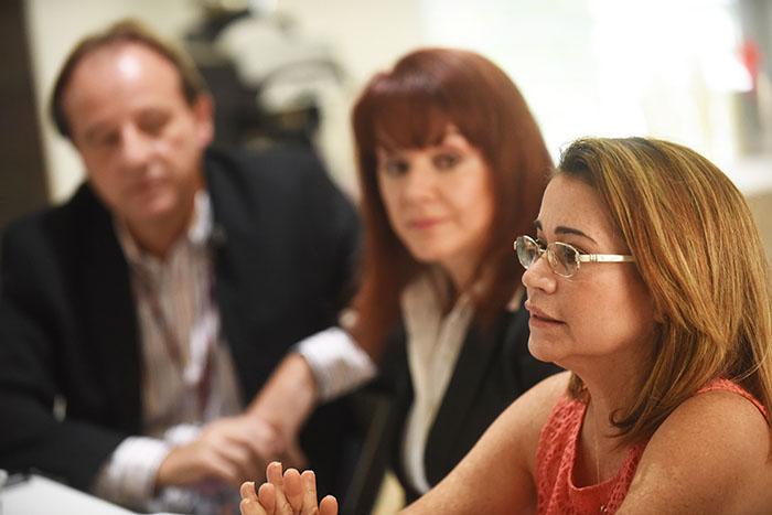 Leticia Fernandez, Yvonne Huertas y Norberto Gonzalez 02