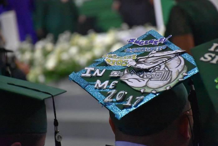 Birrete graduación RUM