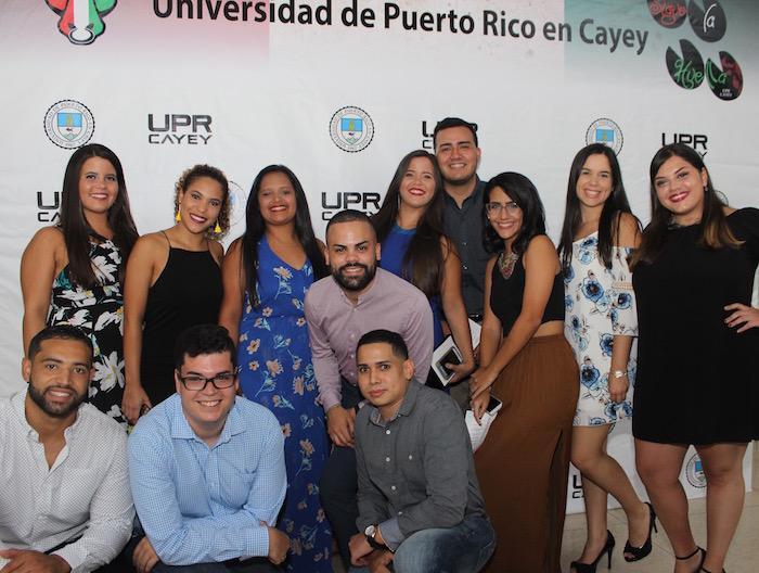 Estudiantes de la UPR Cayey.