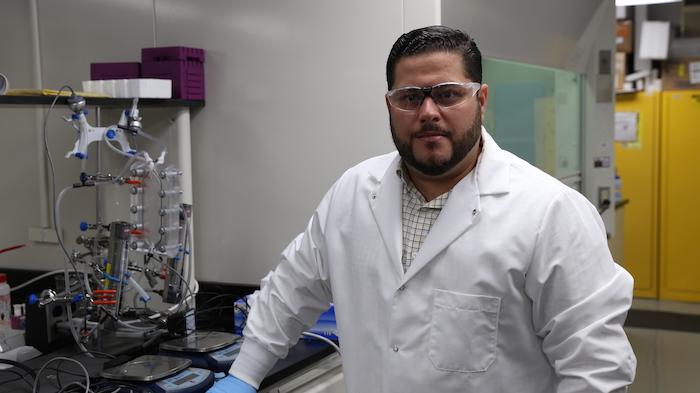 Dr. Eduardo Nicolau