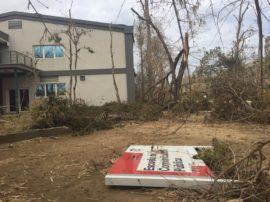 La Escuela de Comunicación fue uno de los espacio afectados por el huracán María. (Facebook/Luis F. Co