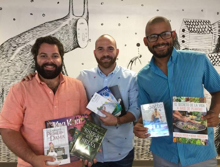 Jorge Herrera, encargado de operaciones y logística de Brands of Puerto Rico; Carlos Goyco, cofundador de Libros787; y Alan Taveras, cofundador de Brands of Puerto Rico.