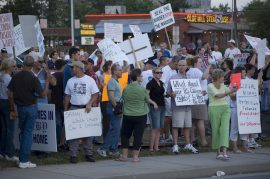 manifestacion anti inmigrantes usa MikeSchinkel on Visual Hunt