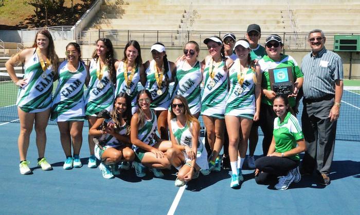 Juanas del Colegio nuevas campeonas del tenis de la LAI. (L. Minguela LAI)