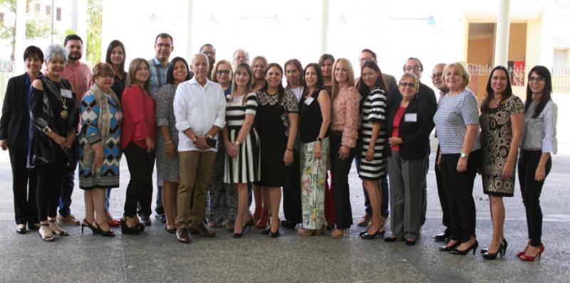 Miembros de la administración de la UPR-Ponce, directores de departamento, deponentes y participantes en la Academia de Directores 2018, Trascendencia del Proceso de Planificación en la Educación Superior, celebrada en la Sala Rafael Ríos Rey, en el Museo de la Historia de Ponce.