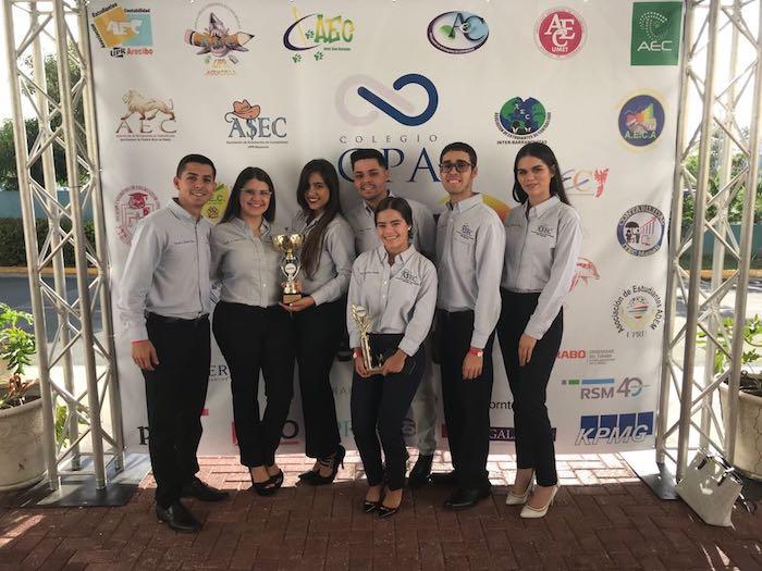 Miembros de la Asociación de contabilidad de la UPR Bayamón