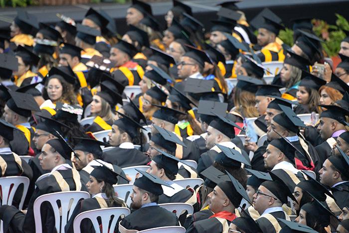 Graduación de la UPR en Ponce.