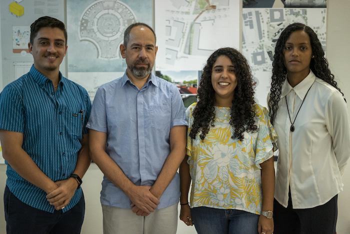 Edgardo Agosto, Dr Humberto Caballin, Nelmaris Camacho y Jackeline Rosario