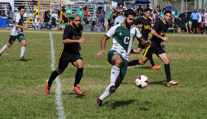 Ricardo Rivera, delantero de los bicampeones Tarzanes, no jugara este ano (L. Minguela LAI archivo)