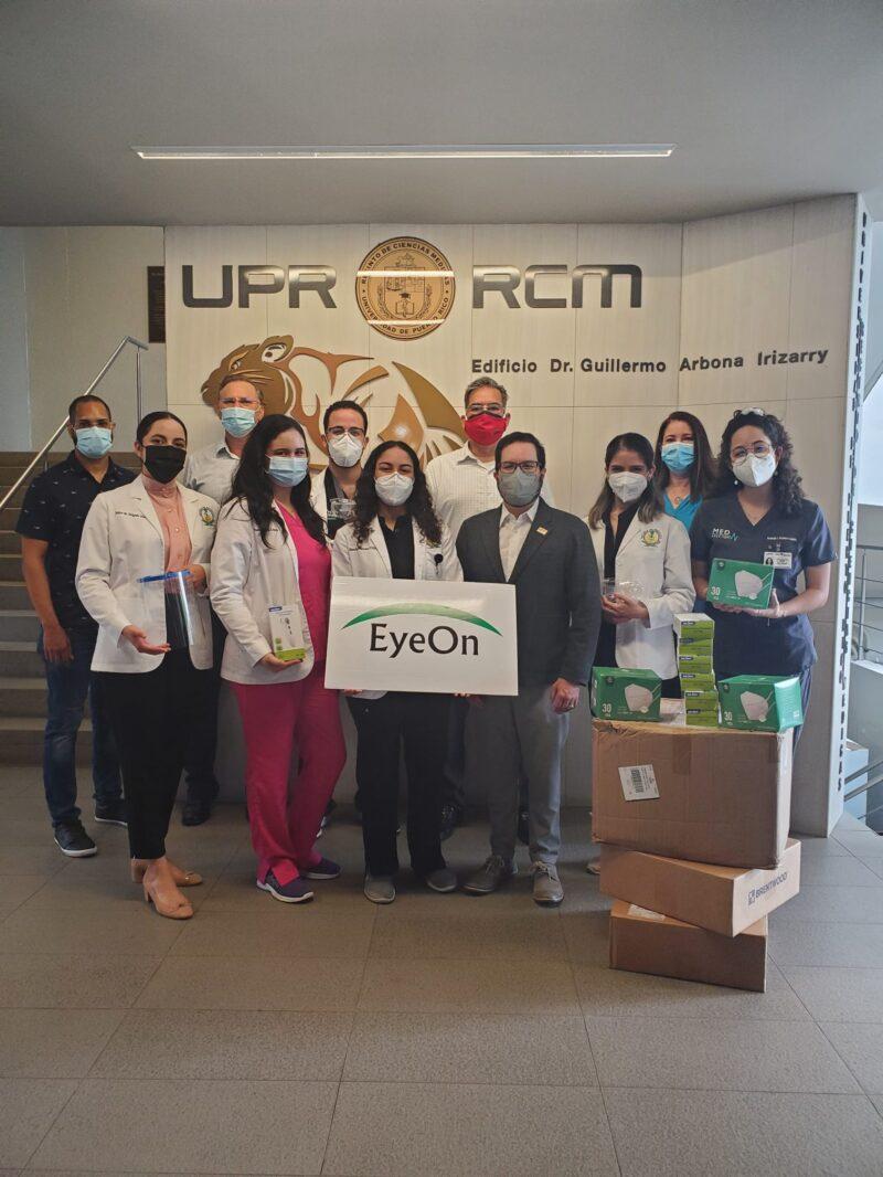 Escuela-de-Medicina-de-la-UPR-recibe-donativo-de-equipo-de-protección-médica-de-EyeOn-LLC